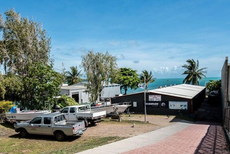 COMMERCIAL PROPERTY - ZONED INDUSTRIAL - MARINE BUSINESS & CARETAKERS RESIDENCE!