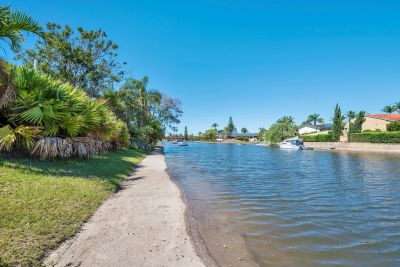 Vacant Possession Waterfront ... Cheapest in Sorrento??