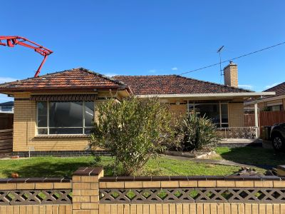 Freshly Renovated 3 bed Home !