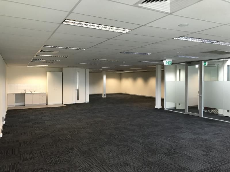 FIRST FLOOR OPEN PLAN OFFICE WITH 9 CAR PARKS