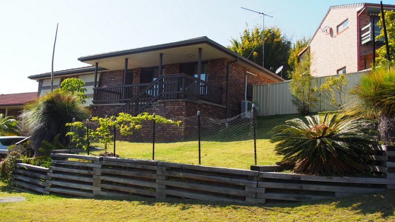 LARGE 4 BEDROOM HOME IN NAMBUCCA HEADS