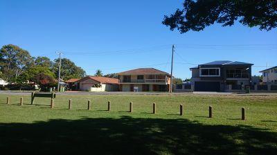 REDLAND BAY, QLD 4165