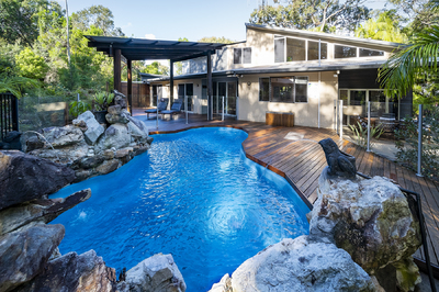 Beach Holiday House with Dual Income