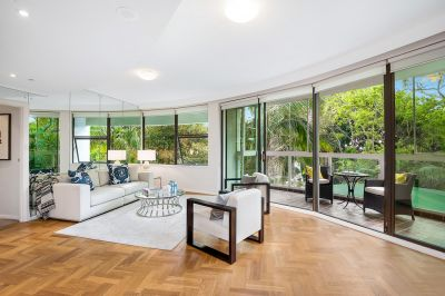 Whole-Floor Apartment Offers Approx. 170sqm One Level Living, Tranquil Leafy Outlook, No Common Walls & Level Lift Access