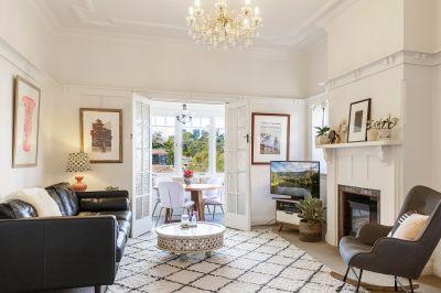Spacious Lower Duplex - Views & Tranquility