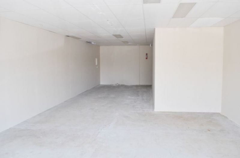 GROUND FLOOR RETAIL/ OFFICE WITH AMPLE PARKING
