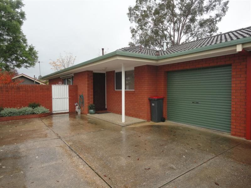 Renovated Townhouse in East Albury!