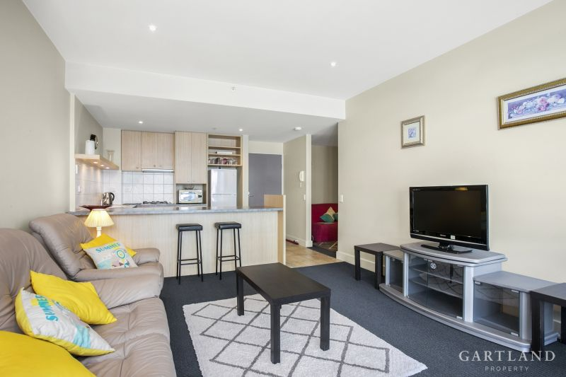 2305/2 Yarra Street Geelong