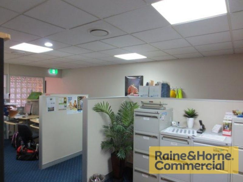 340sqm Quality Offices and Warehouse