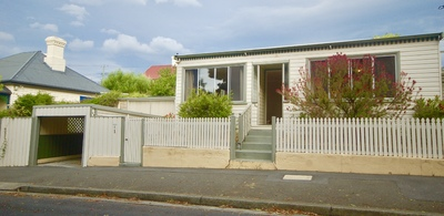 Sunny 3 Bedroom House with Garage. Pets on Application
