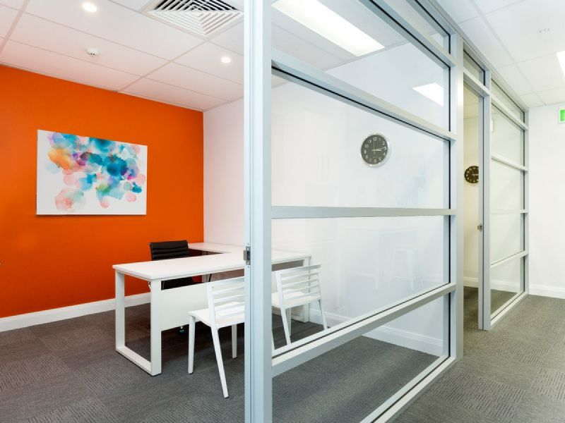 Lockable Serviced Type Office - Plug In and Start Working