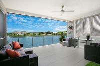 Executive Living On The Waterfront