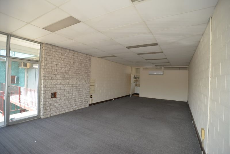 60m2* First Floor Office Suite On Kingston Road