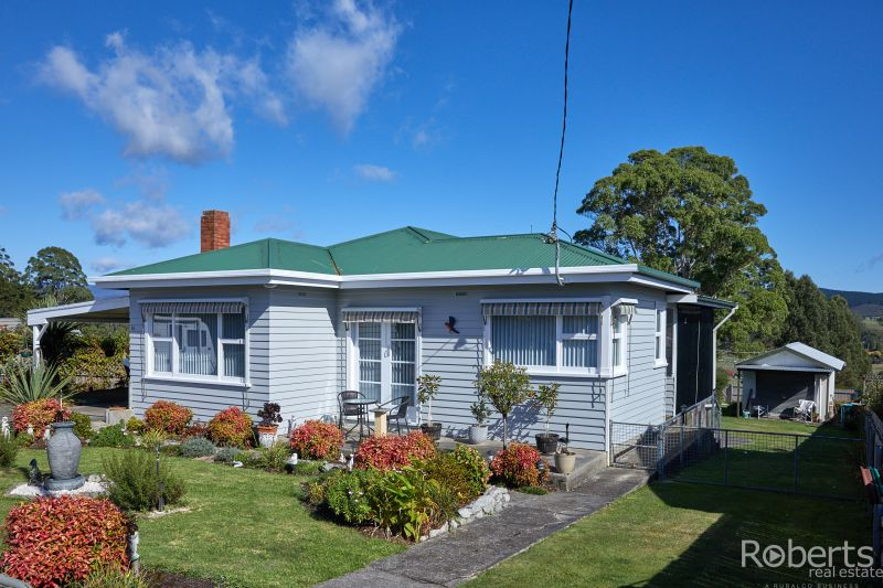 Immaculate house in sought after area