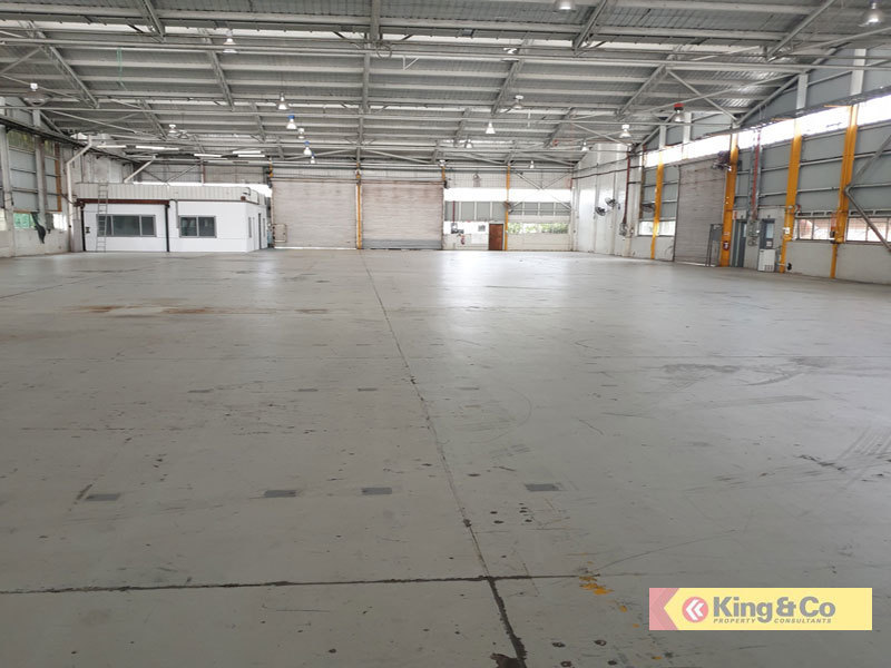1,600m2 - WITH OR WITHOUT YARD