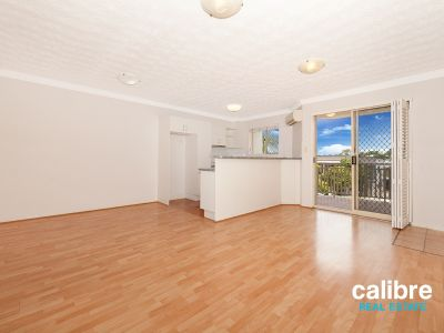 Beautiful unit with a spacious balcony! Walking distance to Train Station!