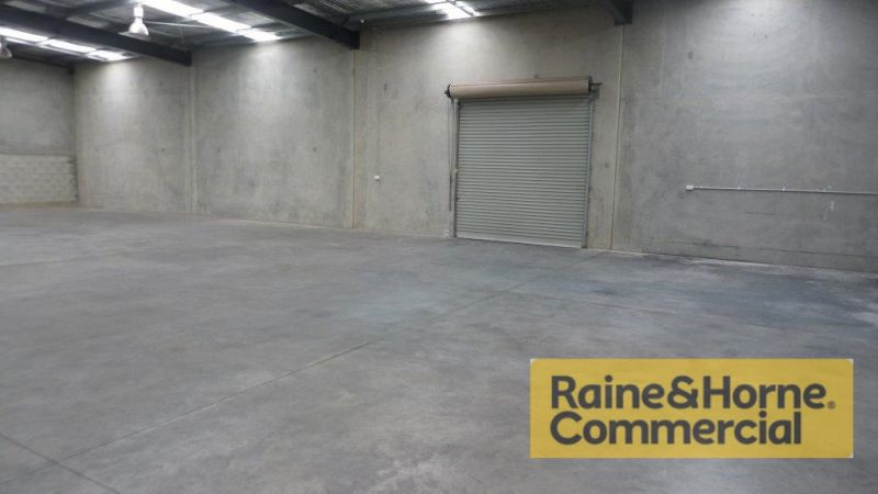 434sqm Clear Span Industrial Unit with Front and Rear Roller Doors