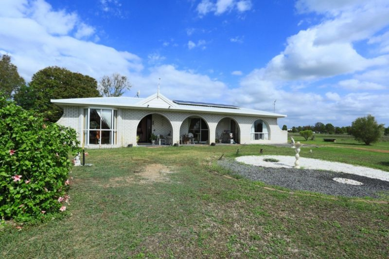 DUAL LIVING ON 11 ACRES + BORE – NEST OR INVEST!