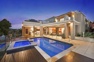 GOLF COURSE FRONTAGE ENHANCES EXCEPTIONAL FAMILY RESIDENCE