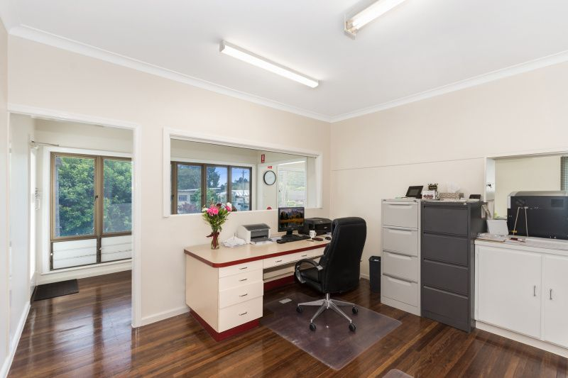 Professional offices and large shed on Ross River Road