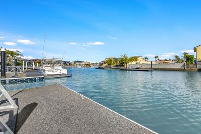 Unbeatable Value  Runaway Bay Islands  18.5m Waterfrontage