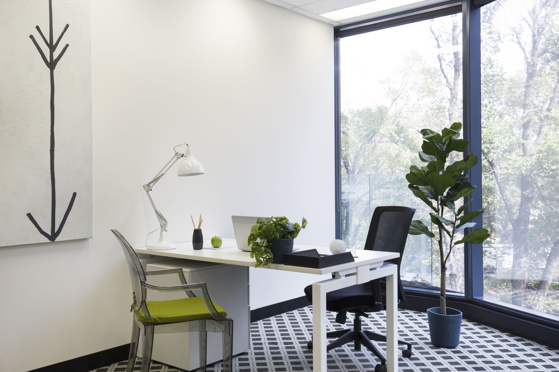 Immaculate purchasing opportunity for Owner Occupier in iconic St Kilda Rd Towers