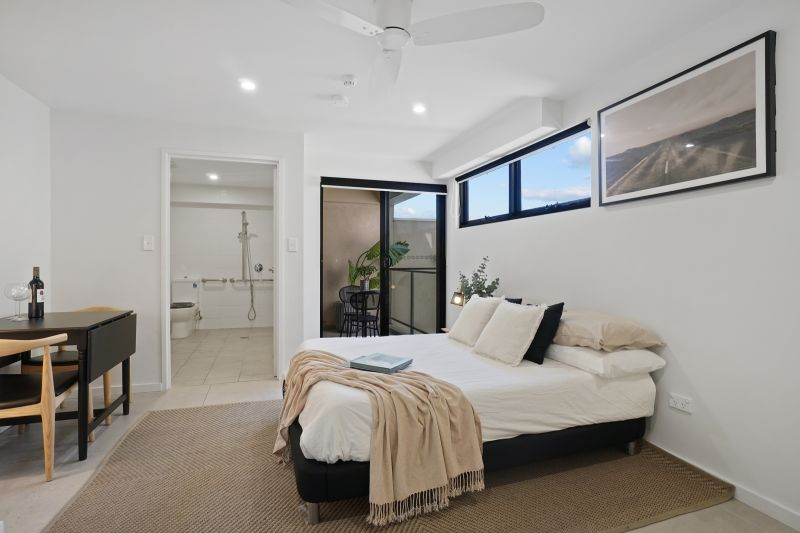 Furnished Studio Apartment Offers Ultra-Convenient Lifestyle
