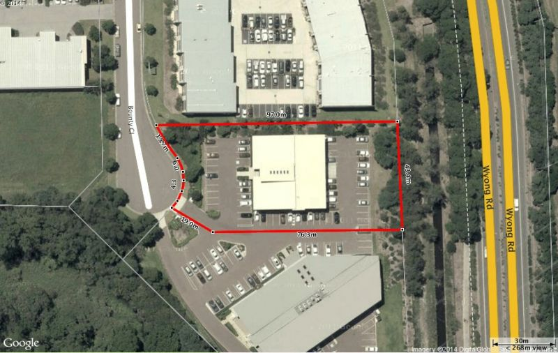PARKING + EXTENSIVE FIT-OUT SAVE $$$$