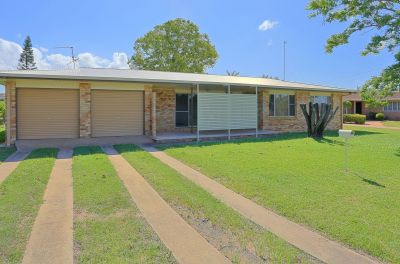 VERY NEAT BRICK HOME IN EXCELLENT LOCATION!