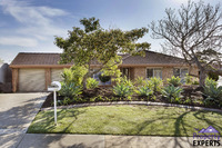1 Shakes Crescent, HALLETT COVE