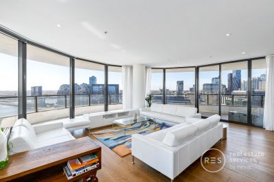 Sub-Penthouse Guaranteeing Luxury and Stellar Views