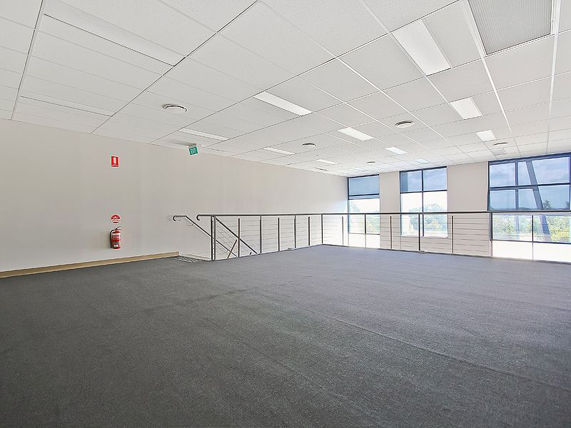 196m2* MURARRIE CORPORATE GRADE OFFICE - FOR SALE OR LEASE