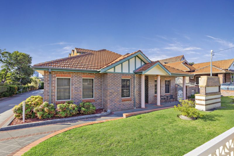 Lovely Over 55's Villa Ideally Located