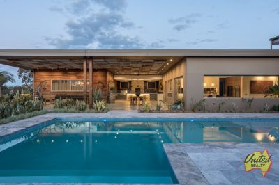 Contemporary Meets Country Living!!!