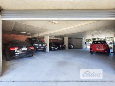 FUNCTIONAL INNER CITY OFFICE | 5 CAR PARKS!