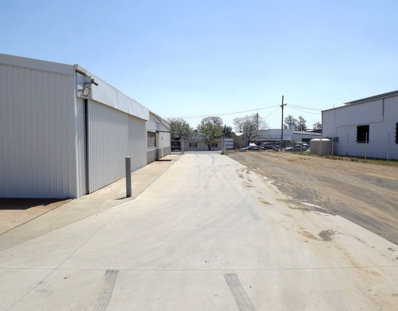 FREESTANDING INDUSTRIAL WAREHOUSE AND OFFICE WITH LARGE HARDSTAND AREA