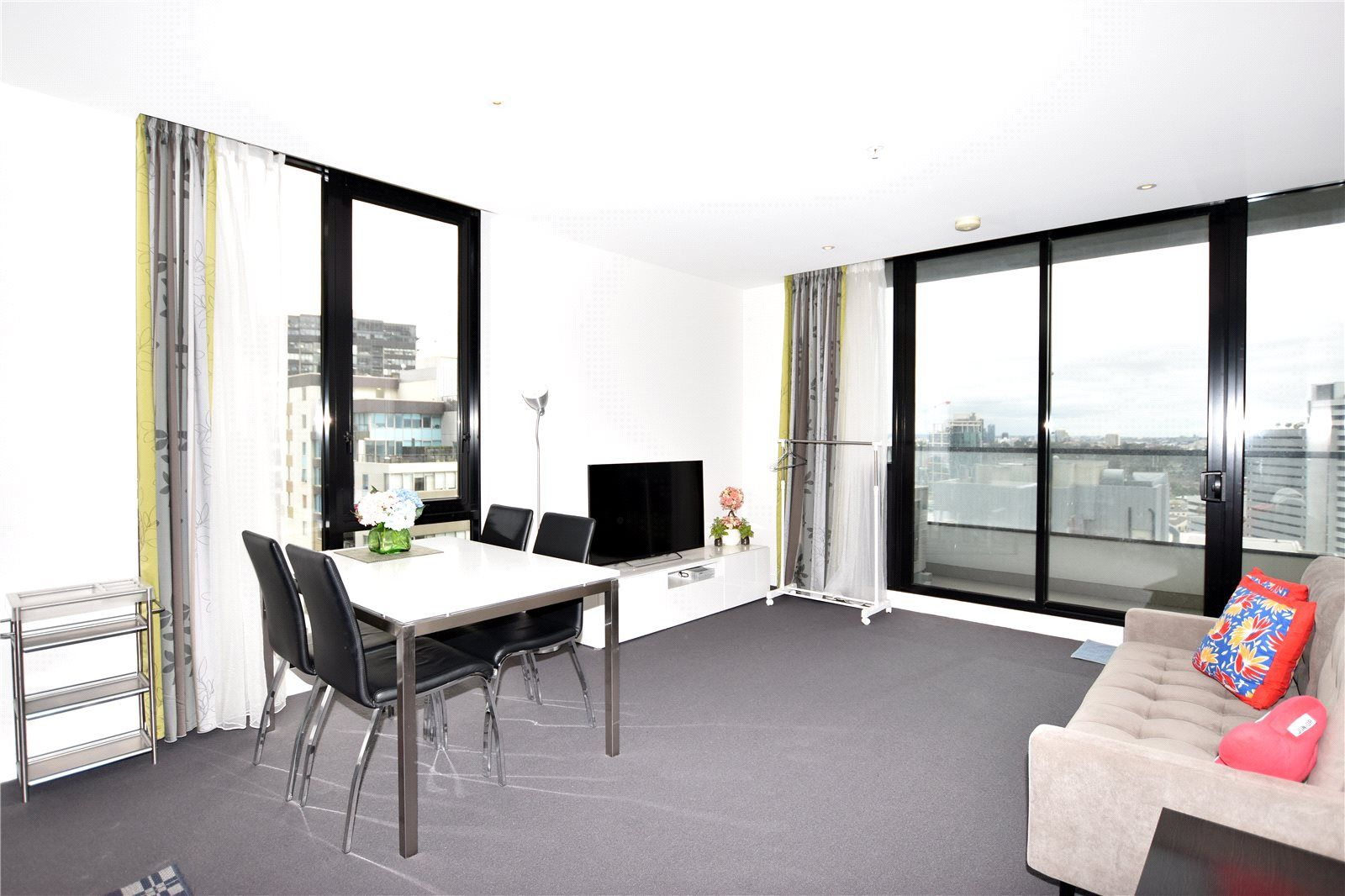 Wrap: 21st Floor- Stylish Two Bedroom Apartment with Great Views!