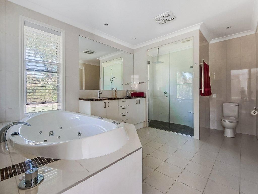 27 Adensfield Court, Cooroibah QLD 4565