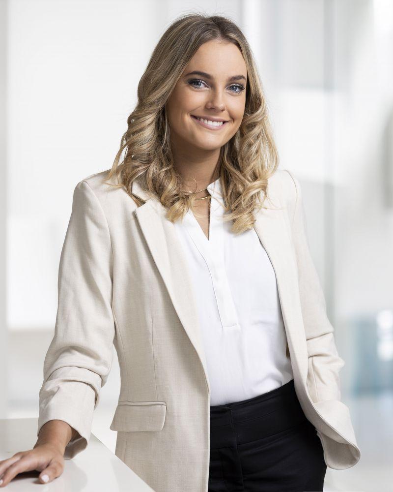 April Iggleden real estate agent