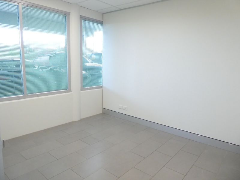 Free High Speed Internet With 98m2* Ground Floor Office Suite