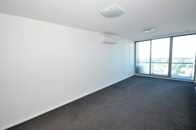Mainpoint: 26th Floor - Fantastic Views of the Bay!