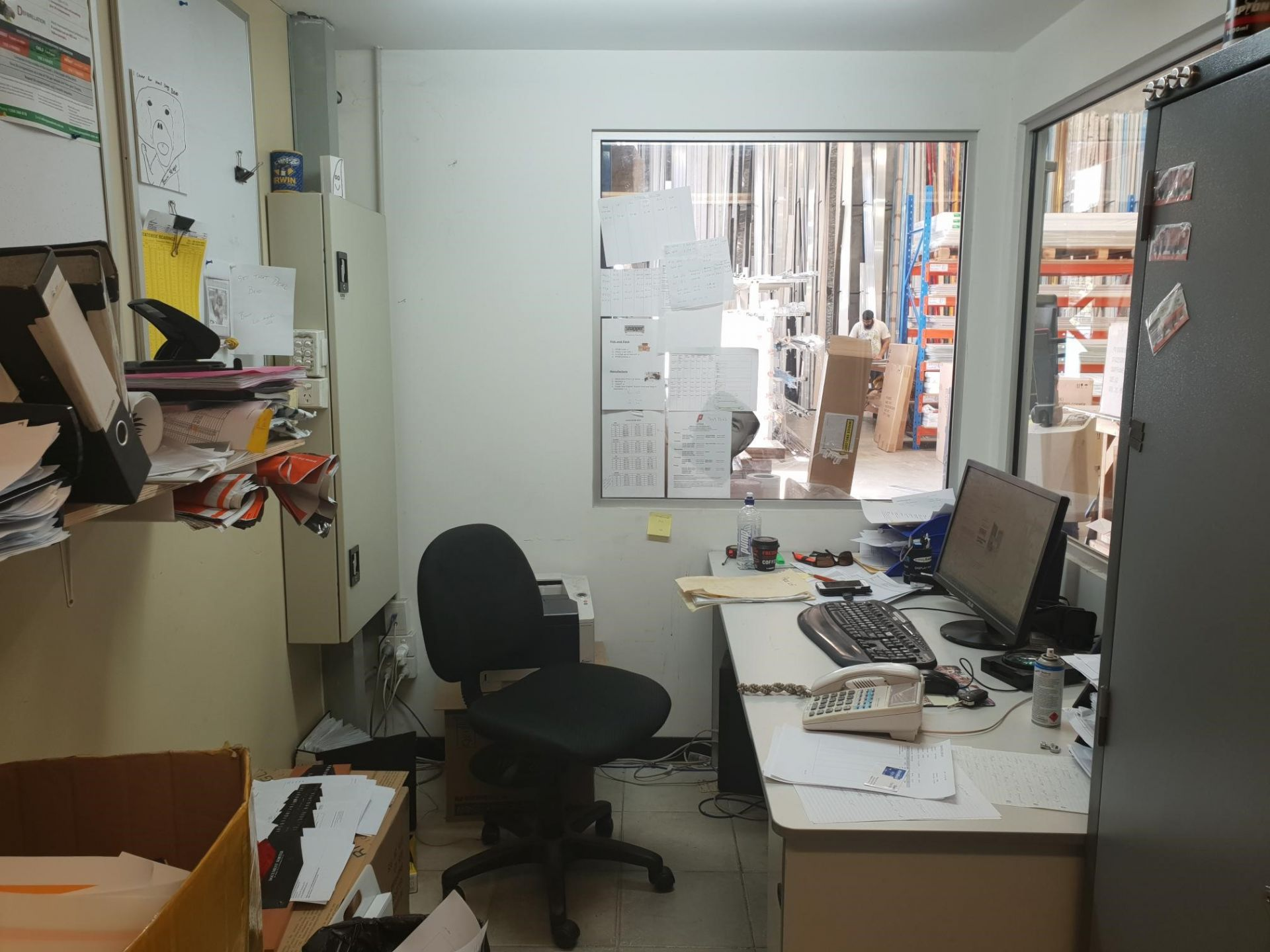 STREET FRONT OFFICE / WAREHOUSE - NEW LEASE UNTIL FEB 2023