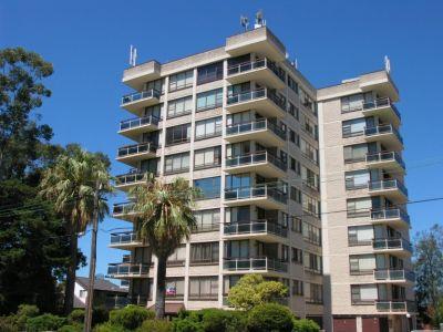 'Beaumaris' - Large, Updated & Convenient Apartment