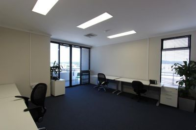 SMALL FURNISHED OFFICE   MAROOCHYDORE