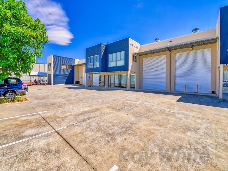 230sqm* CLEAN MORNINGSIDE OFFICE/ WAREHOUSE