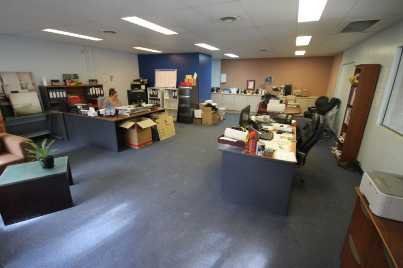 FOR LEASE - 225m2 Industrial Unit