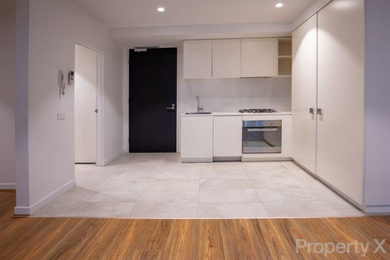 1 Bedroom Apartment including Separate Study, with Carpark and Winter-garden