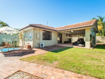 Fully Renovated Home on 702m2 Block - Two Street Frontages!