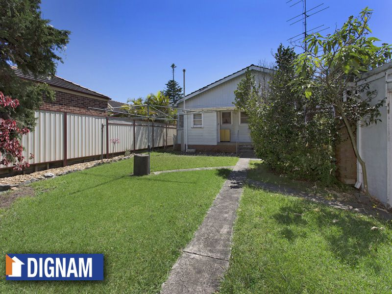 65 Lake Parade, East Corrimal NSW