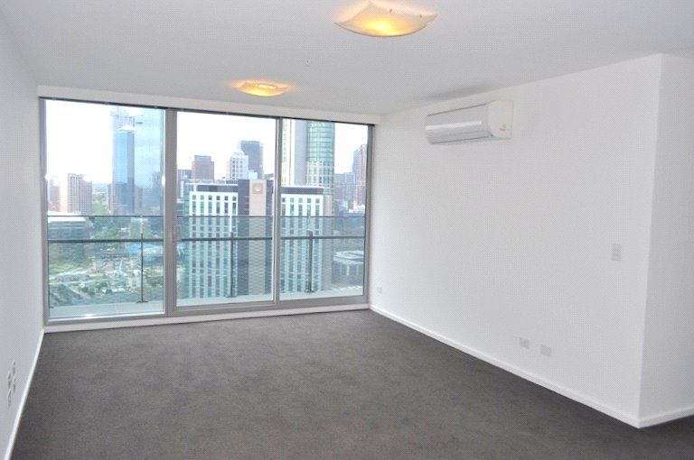 Mainpoint: 10th Floor - Three Bedroom Apartment In The Perfect Location!